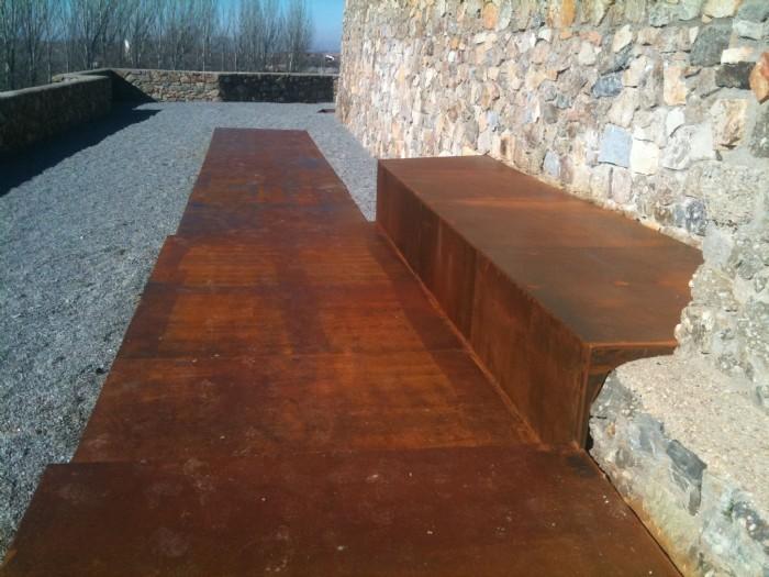 Acciaio corten acciaio corten lastricato belle dimore for Rivestimenti in acciaio e listelli di assi