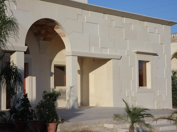 Pietra Leccese - Lecce, fronte villa privata - Belle Dimore ...