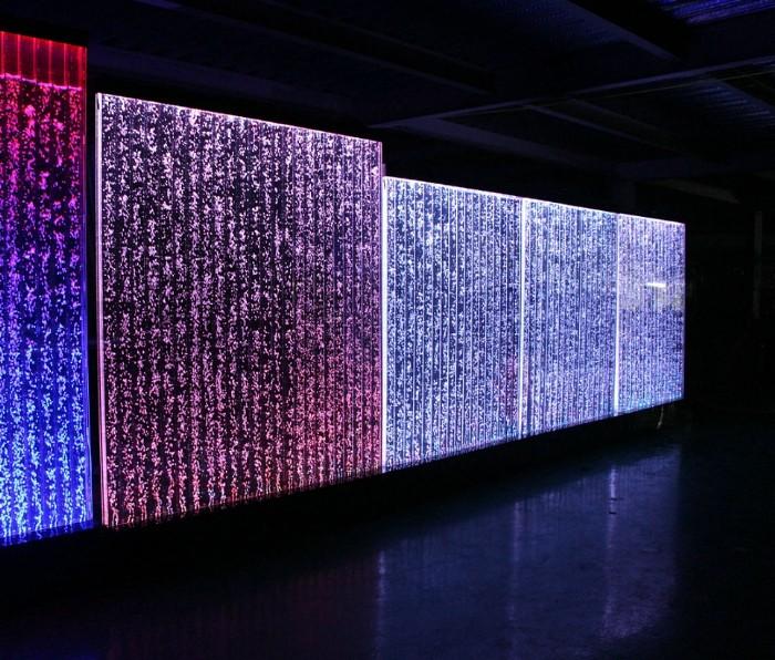 Pareti ad acqua con bolle d 39 aria muri ad acqua con bolle d 39 aria led colorati belle dimore - Muri di casa colorati ...
